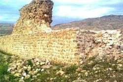 مطالعه، توصیف و تحلیل معماری قلعه شاخ زرین آباد ایلام به صورت word